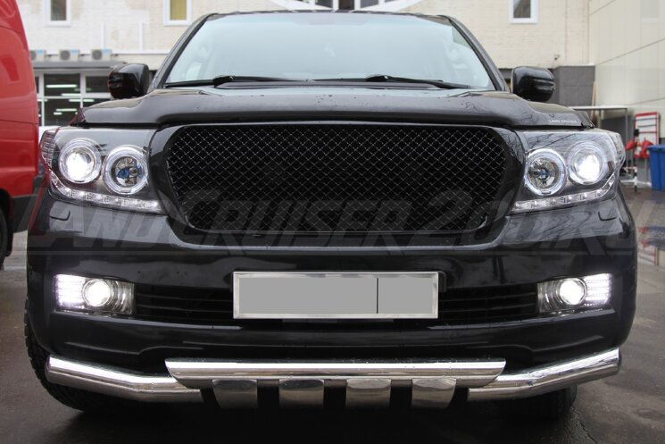 "Решетка радиатора ""Bentley Style"" для Toyota Land Cruiser 200 (2007-2015)"