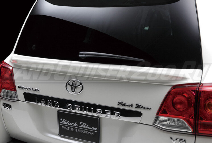 Спойлер Wald под стекло Toyota Land Cruiser 200 (2007-2015)
