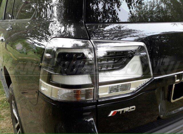 Стоп-сигналы черные Toyota Land Cruiser 200 (2016-2019)