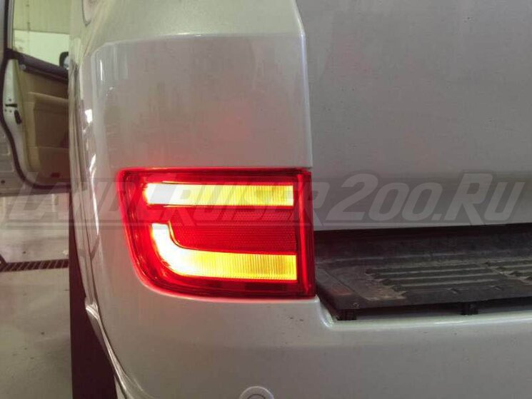 Фонари в задний бампер Toyota Land Cruiser 200 (2016-2021) LED