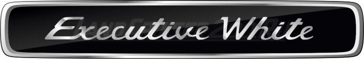 Эмблема Executive White на Toyota Land Cruiser 200