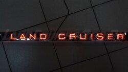 Накладка (планка) Led на заднюю дверь Land Cruiser 200 (2007-2015)