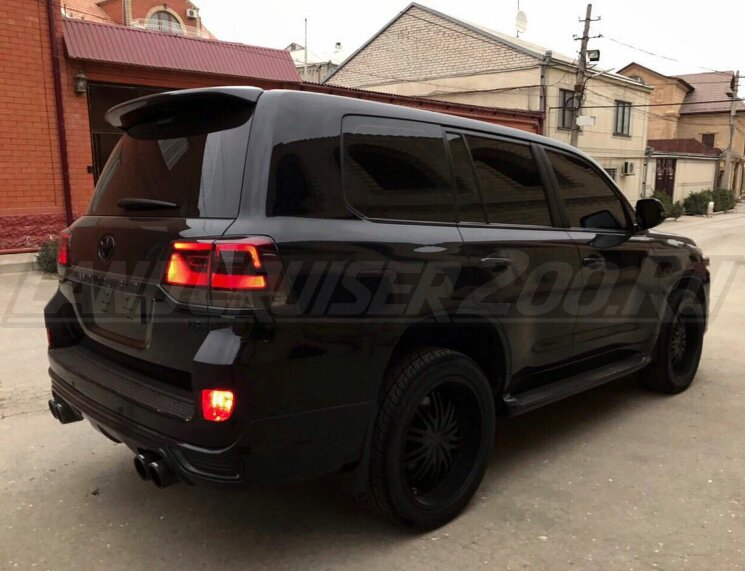 Стоп-сигналы Dark smoke Toyota Land Cruiser 200 (2016-2021)