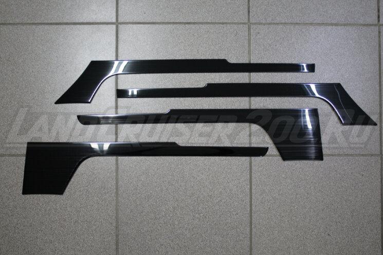 Накладки на обшивку дверей Toyota Land Cruiser 200 (2007-2021)