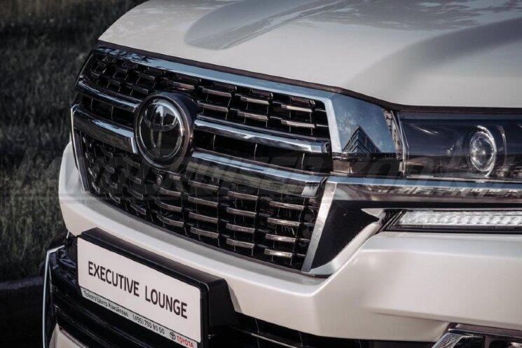 Решетка радиатора Executive Lounge дизайн 2021 Toyota Land Cruiser 200 (2016-2021)